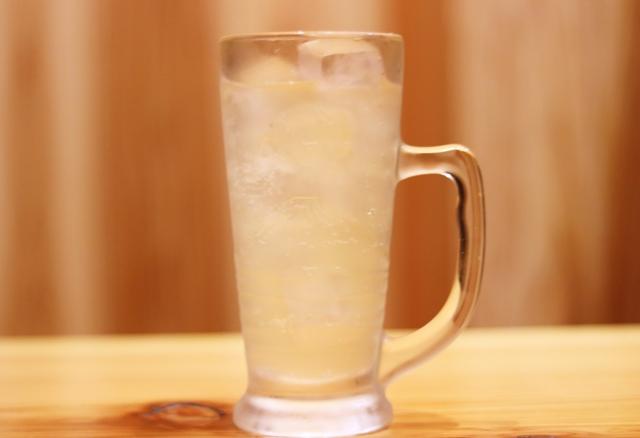 カークランドの炭酸水の飲み方用の画像