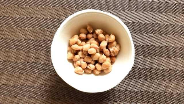 納豆と器の画像